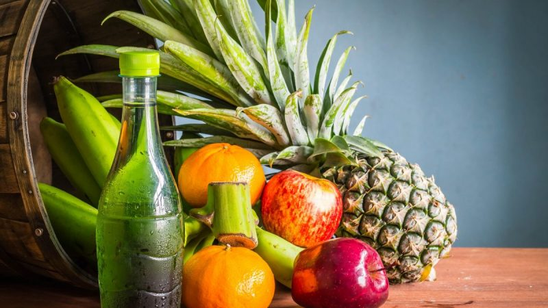 6 полезных продуктов, которые стоит взять с собой в летнее путешествие