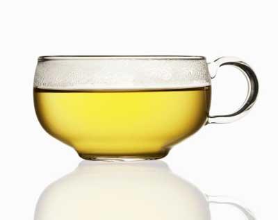 El té verde no tiene efectos secundarios y es de gran ayuda para bajar de peso y definir.